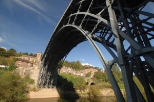 IRON_BRIDGE_SPAN_DRAMATIC_copy_2